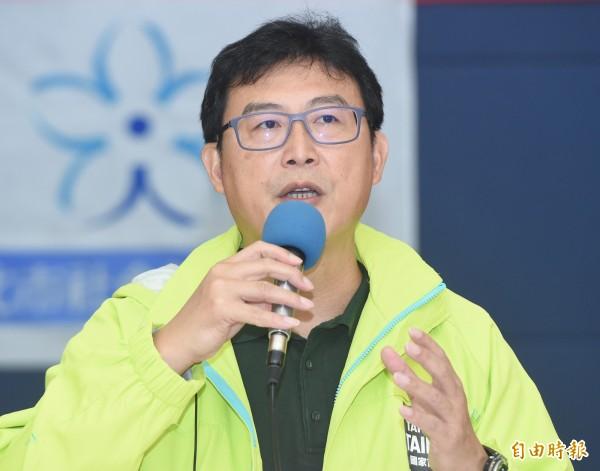 民進黨台北市長候選人姚文智9日出席民間版社會福利政策白皮書發表會及雙向論壇,和社福團體代表對話。(記者廖振輝攝)