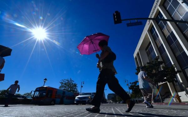 美國加利福尼亞州一名媽媽帶著自己一歲半的兒子跑趴,結果她竟將兒子獨留車上,等她派對結束後才發現兒子已經被熱死,被美國警方以謀殺罪起訴。(法新社)