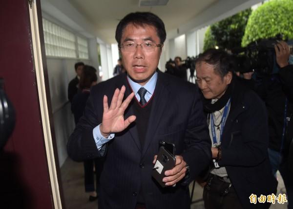 民進黨台南市長初選結果揭曉,立委黃偉哲勝出,國、民兩黨議員皆認為是空氣票打勝組織票。(記者黃耀徵攝)