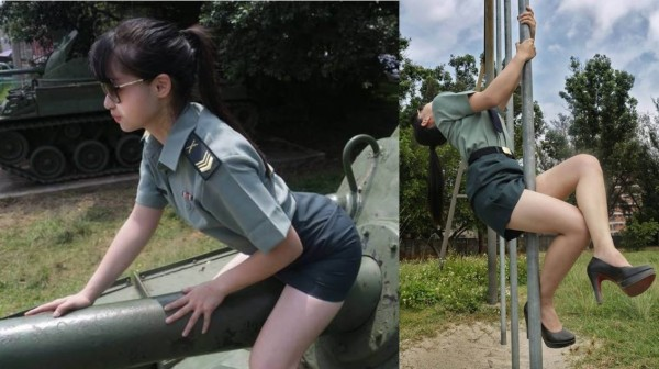 有女性民眾穿著掛階軍裝,在桃園市中壢區龍岡里的大操場拍攝許多性感照片並張貼於臉書。(圖擷取自臉書粉絲專頁「Momo cat」)
