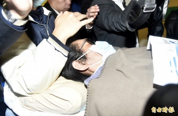 馮光遠針對安返台就醫一事表示:「黃安,你會發現,獨立自主的台灣,才能保障你這種蠢蛋。」(記者陳奕全攝)