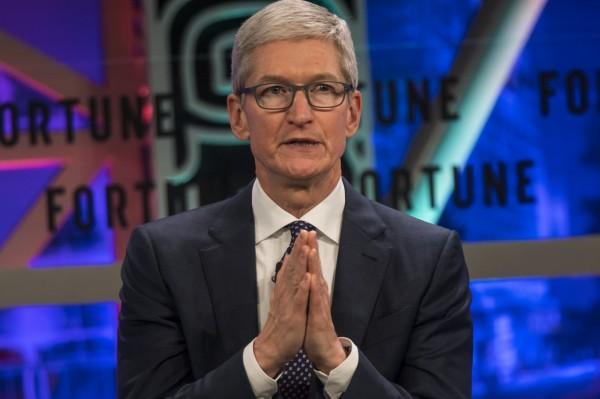 蘋果執行長庫克(Tim Cook)表示,中國市場是蘋果公司除了美國外的第二大最重要的市場,避免在中國成為局外人很重要。(歐新社資料照)