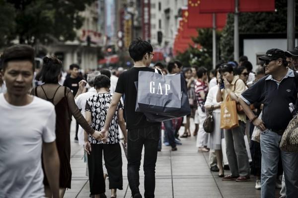 中國政府近年來重視低生育率問題,引發民眾熱烈討論。(彭博)