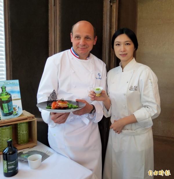 台中市知名樂沐法式餐廳主廚陳嵐舒(右)今日在餐廳臉書粉絲專頁宣布,樂沐將在今年12月底結束營業。(資料照)