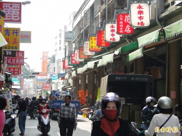 許多CNN推薦的台南美食就為在台南小吃林立的永樂市場,是台南美食文化版圖據點之一。(資料照,記者洪瑞琴攝)