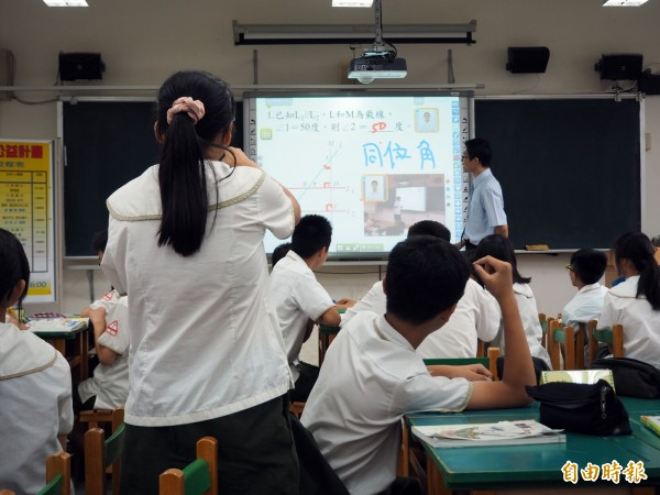 葉大華引述人本文教基金會的調查表示,國、高中的第8節課應是供學生彈性選擇參加。(資料照,記者陳昀攝)