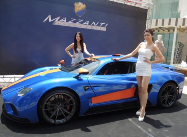 要價將近1億元新台幣的「義大利神獸」Mazzanti Evantra 771擁有771匹超大馬力,台灣目前只有這一台,車主為「執夢國際」的25歲執行長陳風廷。(中央社)