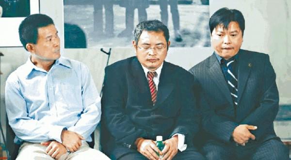 余志堅、喻東嶽和魯德成(左起)3人在美國重逢。(圖擷取自網路)