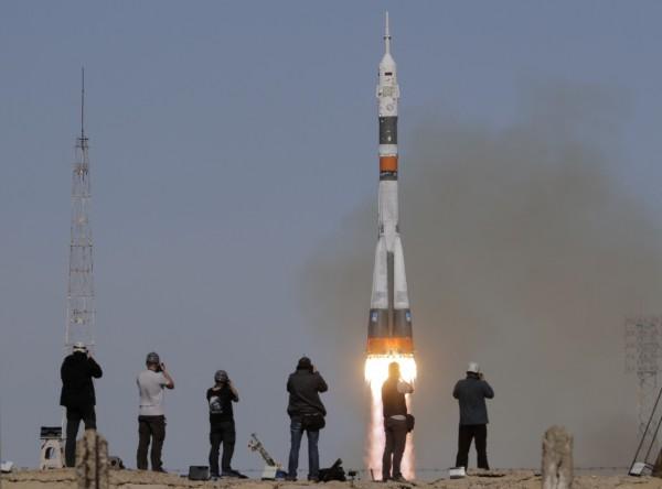 俄羅斯太空船「聯盟」號(Soyuz)今(11)日載著美國與俄國各一名太空人前往國際太空站,不料升空後發生故障,已緊急迫降於哈薩克。(美聯社)