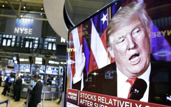 美國總統川普解除提勒森國務卿的職務,13日美國股市普遍收跌,道瓊工業指數大跌171點,主要科技股下跌超過1%。(美聯社)