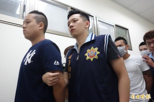 林岑(左)夥同友人殺人後被逮,現除刑事責任外,尚有民事責任須承擔。(資料照,記者姜翔攝)