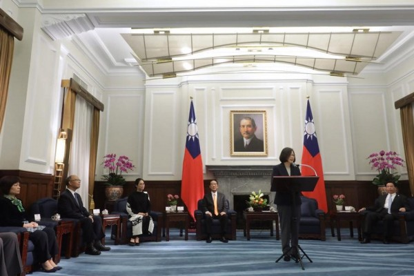 蔡英文在臉書PO文,感謝我國APEC代表團順利完成任務。(圖擷自「蔡英文 Tsai Ing-wen」臉書)
