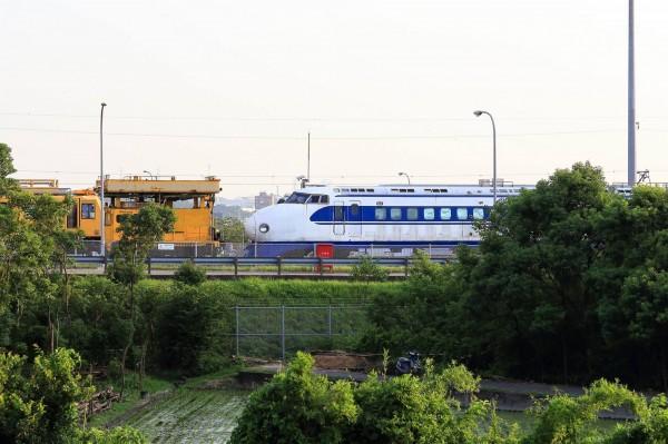 專家表示,從這輛0系的狀態看來,高鐵並非對它棄之不顧,相信未來一定會被放入館舍收藏。(臉書粉絲專頁「雪羊視界 Vision of a Snow ram」提供)