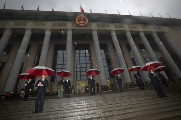 中國7成外企設有共產黨組織。圖為中共19大會議場外。(美聯)