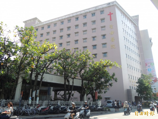 羅東聖母醫院曾專門撥出一個樓層,供宜蘭監獄的受刑人看診,法務部及衛福則持保留態度。(資料照,記者江志雄攝)