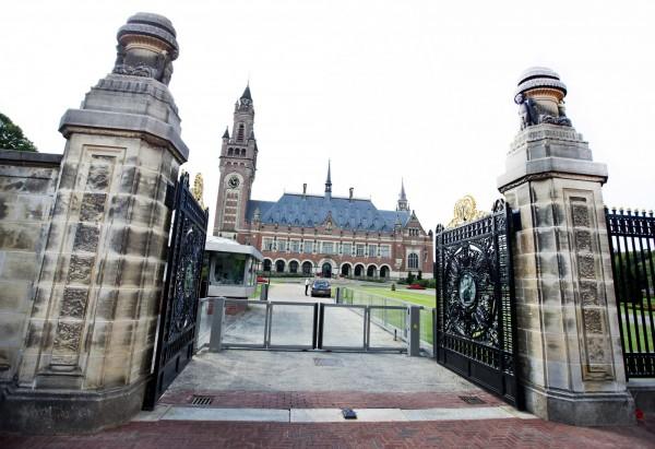 南海仲裁案結果出爐,世界關注。圖為荷蘭海牙和平宮,資料照。(歐新社)
