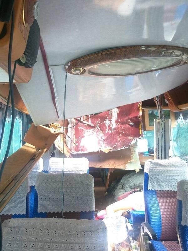 台8縣發生落石砸車事故,一名遊客死亡。(記者王峻祺翻攝)