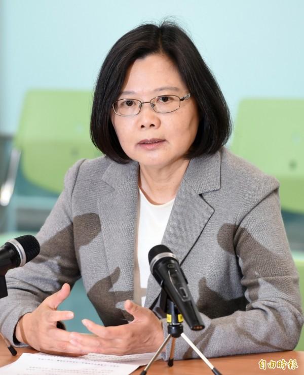 蔡英文說,「我們更要站出來為台灣人做些事,讓他們感到這個國家是有人守護、政府是有在治理。」(記者羅沛德攝)
