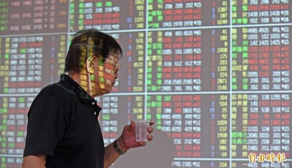 台北股市今天開盤上漲10.21點,漲幅0.10%,報9923.18點,成交金額為14.56億元。(資料照)