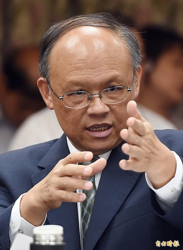 經濟部急談貨貿談判,傳出下個月APEC「鄧高會」很可能就會宣布談完。圖為經濟部長鄧振中。(資料照,記者廖振輝攝)