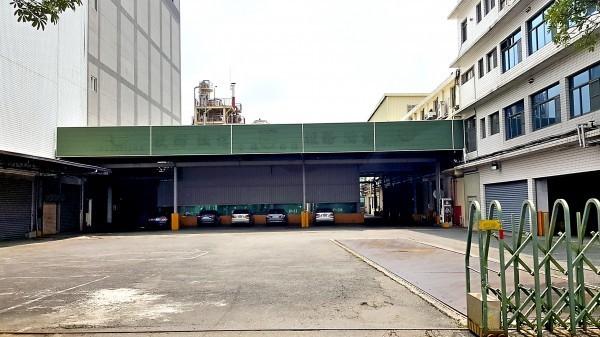 強冠工廠去年遭高雄地院強制執行拍賣。(資料照,記者洪臣宏攝)
