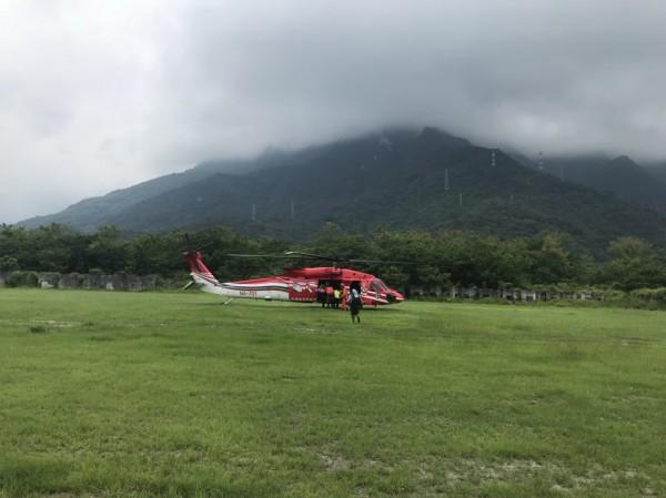 花蓮縣警方出動三架次直升機空搜救,結果卻是白忙一場。(花蓮縣消防局提供)