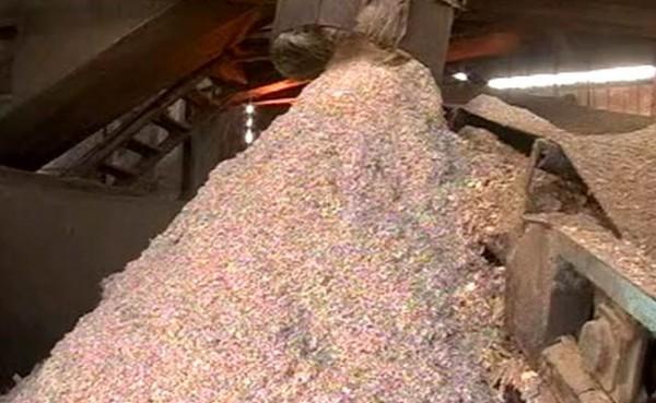 鈔票作的紙箱?印度8兆盧比廢鈔將資源回收