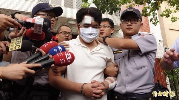 偷軍史館藏武士刀、攻擊總統府憲兵的51歲兇嫌呂軍億,台北地檢署今依殺人未遂等罪將他起訴,具體求刑7年。(資料照,記者劉信德攝)