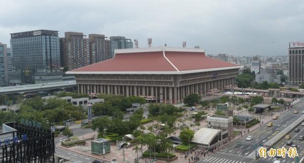 台北火車站今日傳出民眾落軌。(資料照,記者張嘉明攝)
