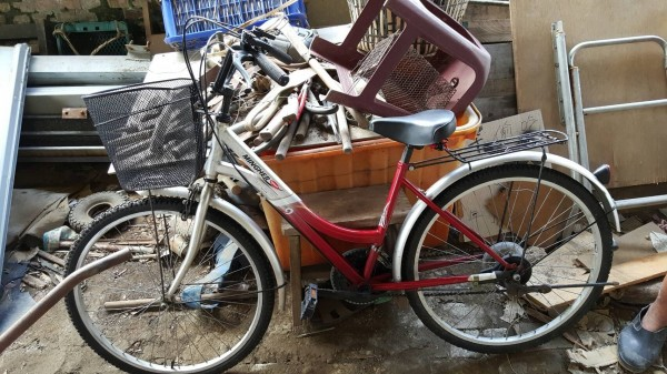 日本42歲無業男子在10歲女童的腳踏車坐墊上留言:「殺了你喔」。示意圖。(資料照,記者蔡政岷翻攝)