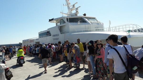 受泰利颱風影響,今天62船班停航。示意圖(資料照,記者黃明堂攝)