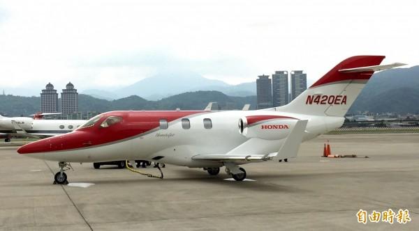 HondaJet輕型商務噴射機今天首度來台發表,每架450萬美元(約新台幣1.3億元)起跳,瞄準年輕創業家。(記者楊雅民攝)