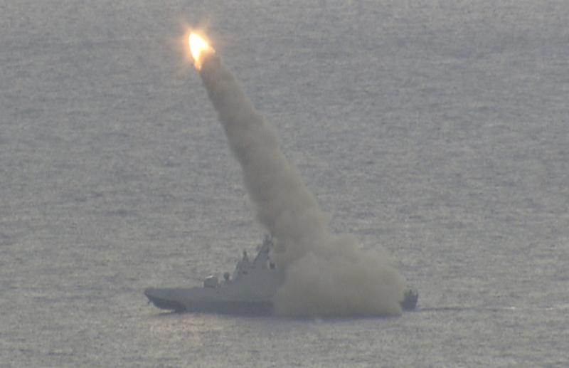 雄3飛彈發射後就以高速爬升。(擷取自國防部漢光影片)
