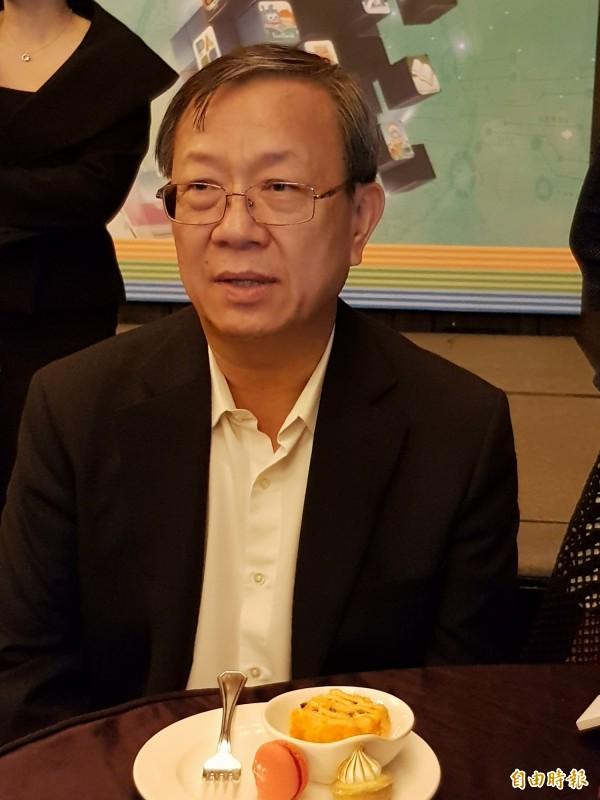 中華電信行通總經理涂元光:第一批iPhoneX比市場預估高。(記者王憶紅攝)