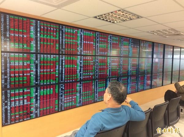 台北股市今天開盤上漲24.50點,漲幅0.23%,報10847.74點,成交金額為30.62億元。(資料照)