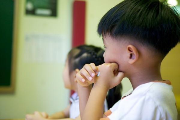 去年全台灣有127名18歲以下的兒童、青少年,是因受虐而在通報後死亡,這數據相當於每週平均有2.4名兒少死亡,且是台灣20歲以下死亡率的近64倍。(情境照)