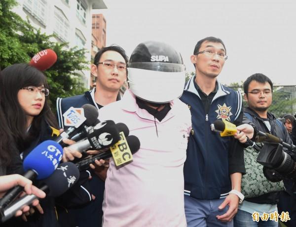 新北市中和區興南路22日發生縱火案,造成嚴重傷亡,警方逮捕嫌犯李國輝。(記者方賓照攝)