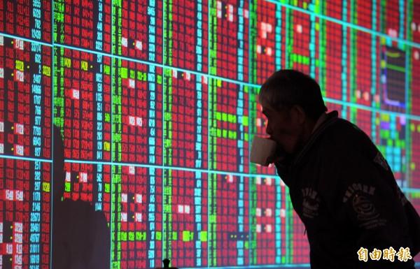 台北股市今天收盤上漲84.72點,漲幅0.88%,報9717.41點,成交金額為701.50億元。(資料照)