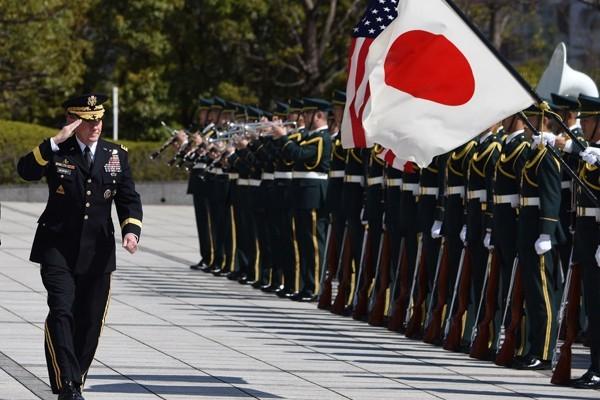 民調調查,有56%的美國人認為向日本投擲原子彈屬正當手段,比例遠超過日本人的14%。(資料照,法新社)