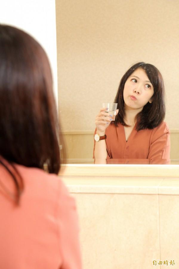 飯後先以清水漱口,過15分鐘再刷牙,才是避免牙齒酸蝕的護齒之道。