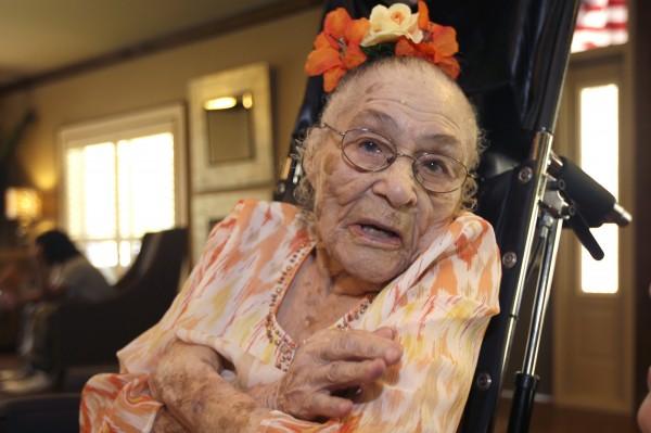美國116歲老奶奶威佛成為世界最老人瑞,她最大的心願,就是希望歐巴馬能在7月親自現身為她慶生。(美聯社)
