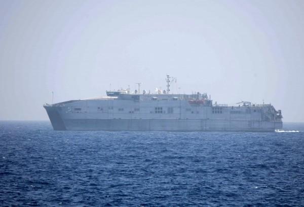 隨著俄烏的緊張情勢持續升高之際,烏克蘭總統波洛申科(Petro Poroshenko)也向北約盟友求援,希望對方能派遣軍艦到亞速海,對該區域「提供安全」;而北約老大哥美國日前傳出將派軍艦前往黑海。圖為美國第6艦隊軍艦。(美聯社)