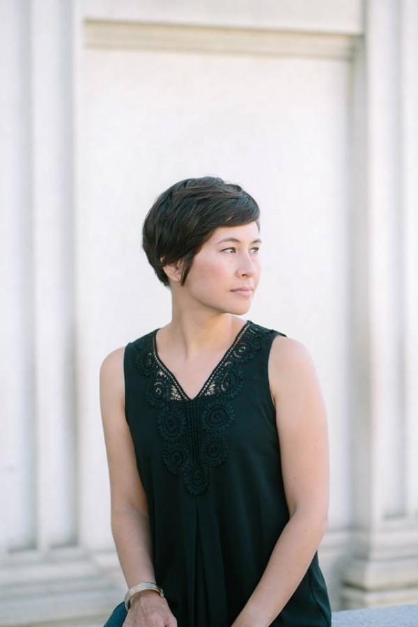 楊小娜是在2002年以學者的身分來台做專題研究,題目是「二二八大屠殺」。她花了將近14年才完成「綠島」這本小說。(圖擷自Shawna Yang Ryan臉書)