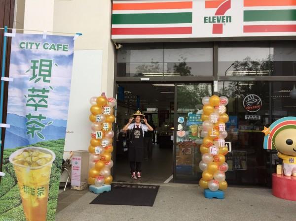 7-ELEVEN門市破5000家,羅智先擬推出無人商店。(中央社)