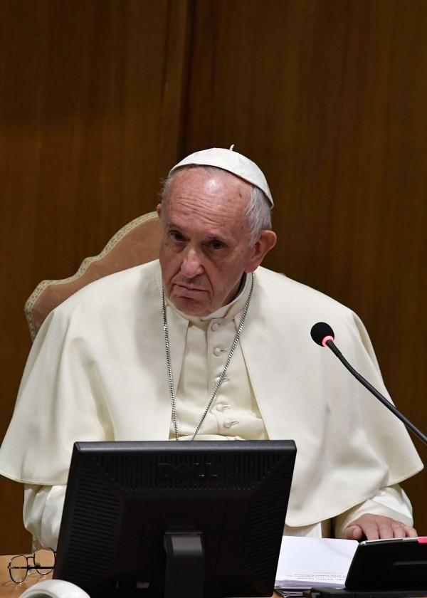 教宗方济各(Pope Francis)本周三声明,罗马天主教的《天主教教理》教义指南中,将明确记录反对死刑。(法新社)