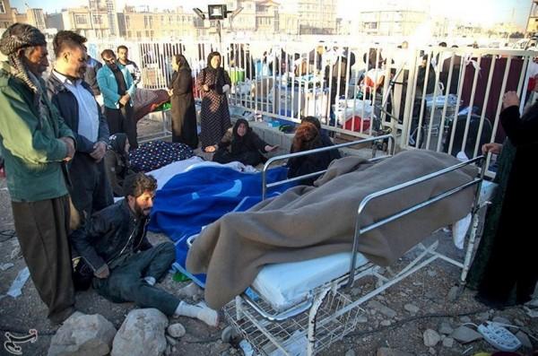 伊朗當地的救援機構表示,估計將有7萬人居要避難,是今年以來最大的一次地震。(路透)