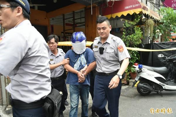 警方逮捕兇嫌。(記者張忠義攝)