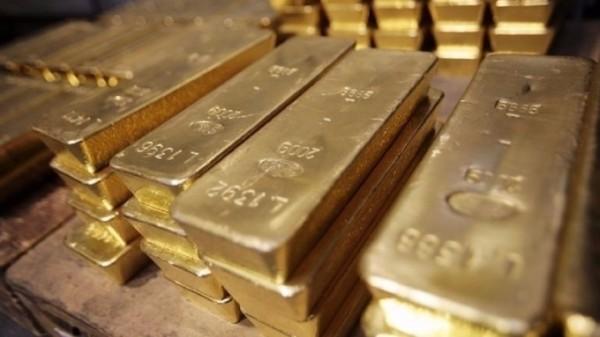 黃金價格創一週以來最大單日漲幅,4月黃金上漲6.30美元或0.5%,收每盎司1327.10美元。(法新社)