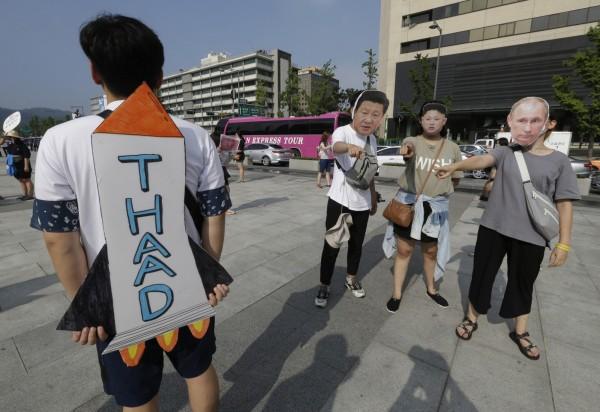 中國不滿薩德部署,對韓國祭出貿易制裁。(美聯社)