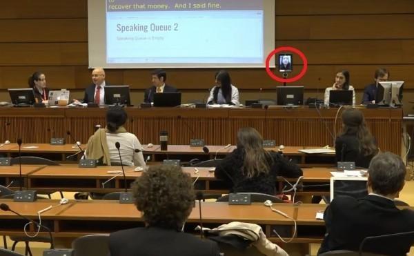 第12屆聯合國網路治理論壇(Internet Governance Forum, IGF)在日內瓦舉行,政務委員唐鳳運用數位機器人直播,突破中國打壓,成功發言。(翻攝自IGF影片)